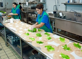 School Lunches: Healthy ButHungry