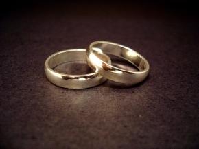 Choosing between Marriage andWelfare